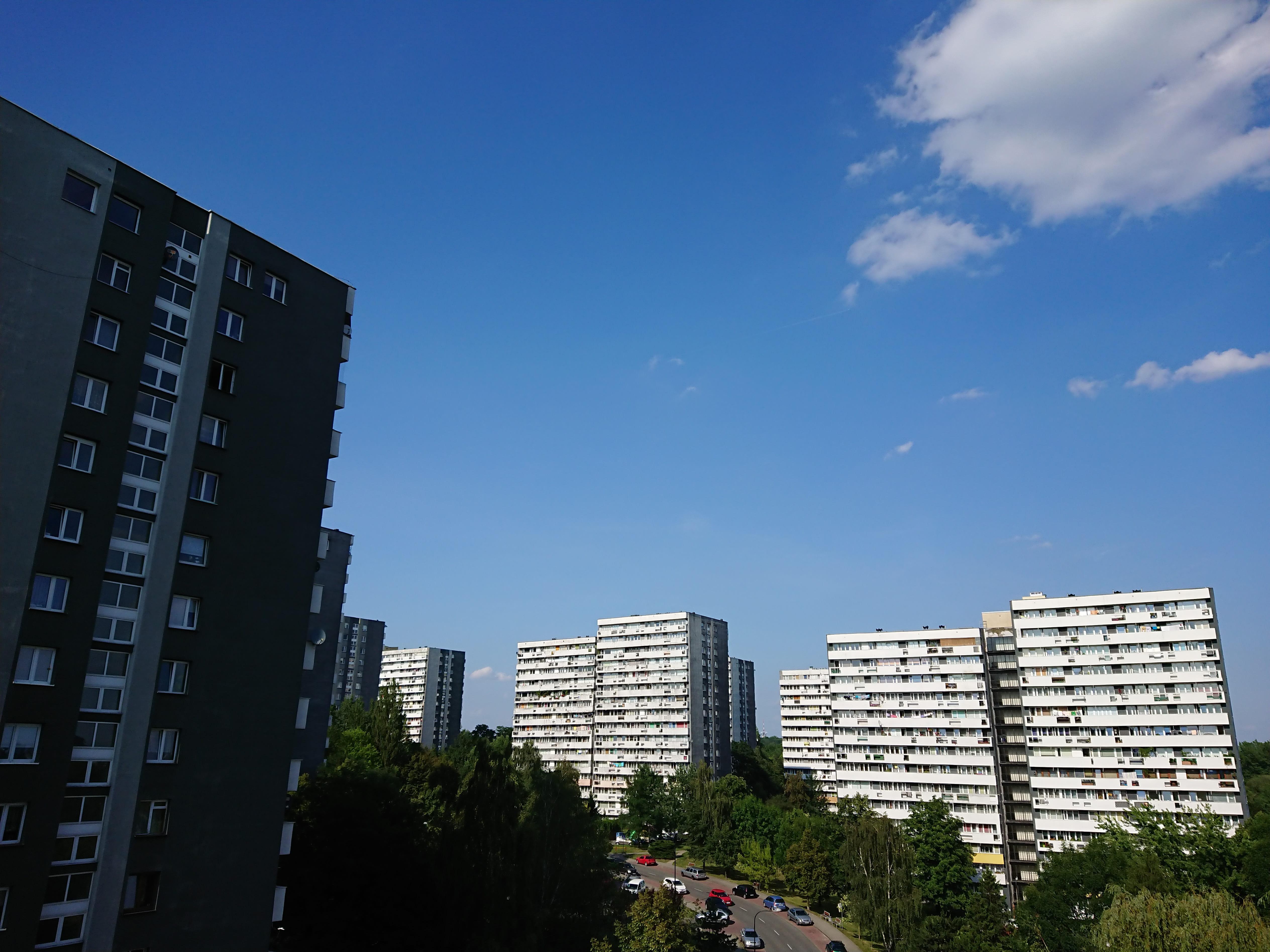 Słoneczna pogoda - Sony Xperia XZ Premium
