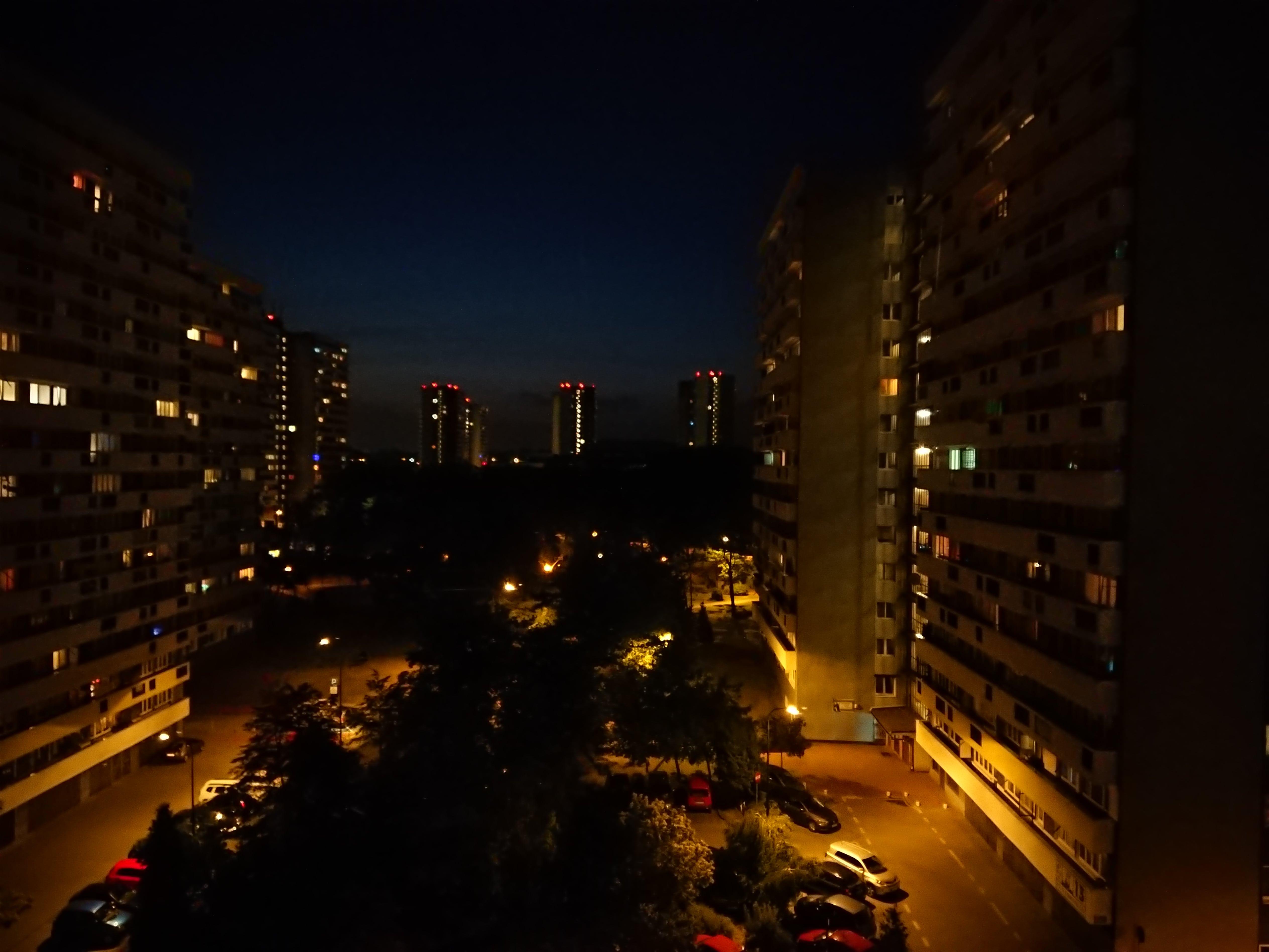 Zdjęcia nocne - Sony Xperia XZ Premium