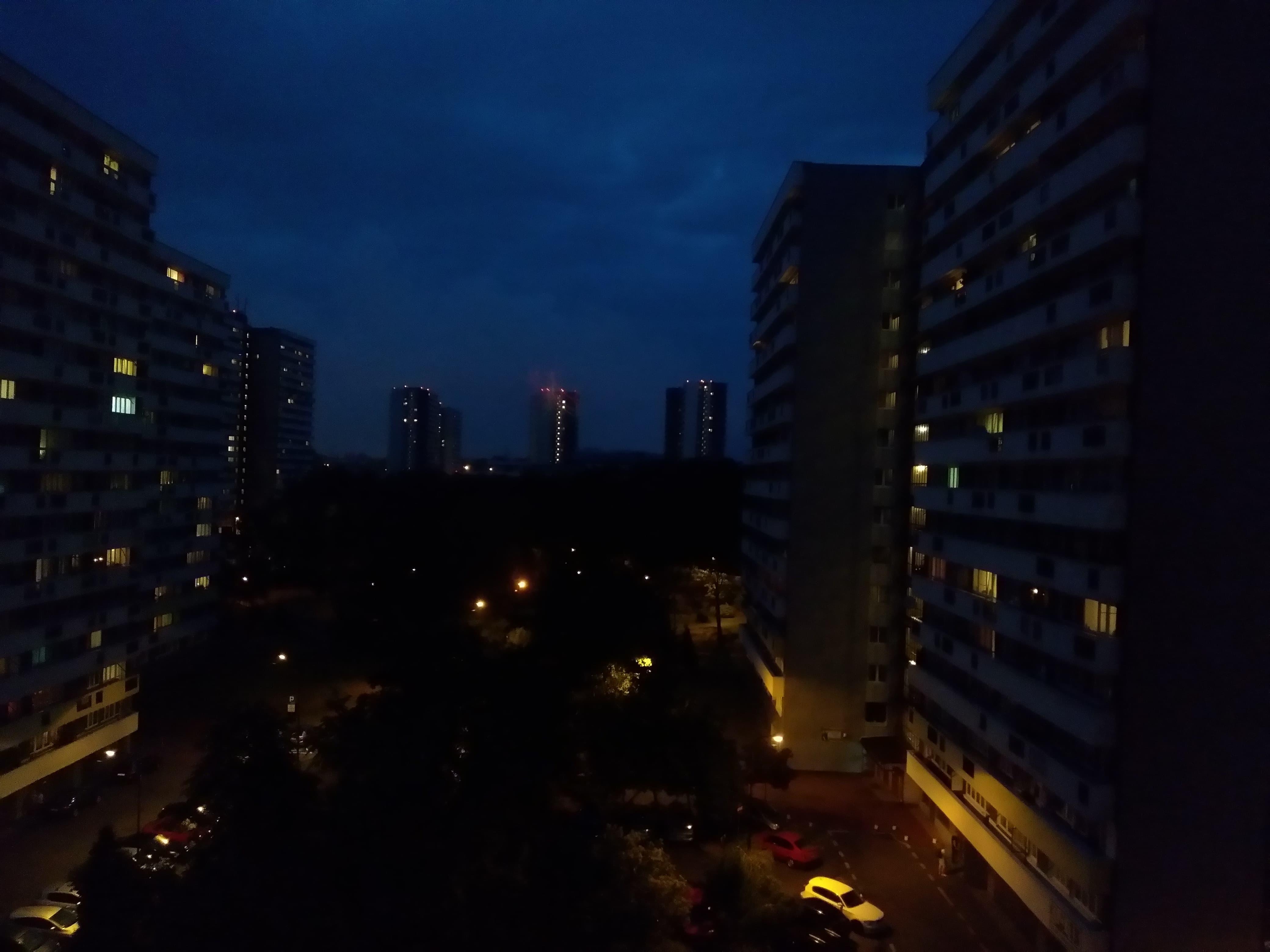 Zdjęcia nocne - Lenovo P2