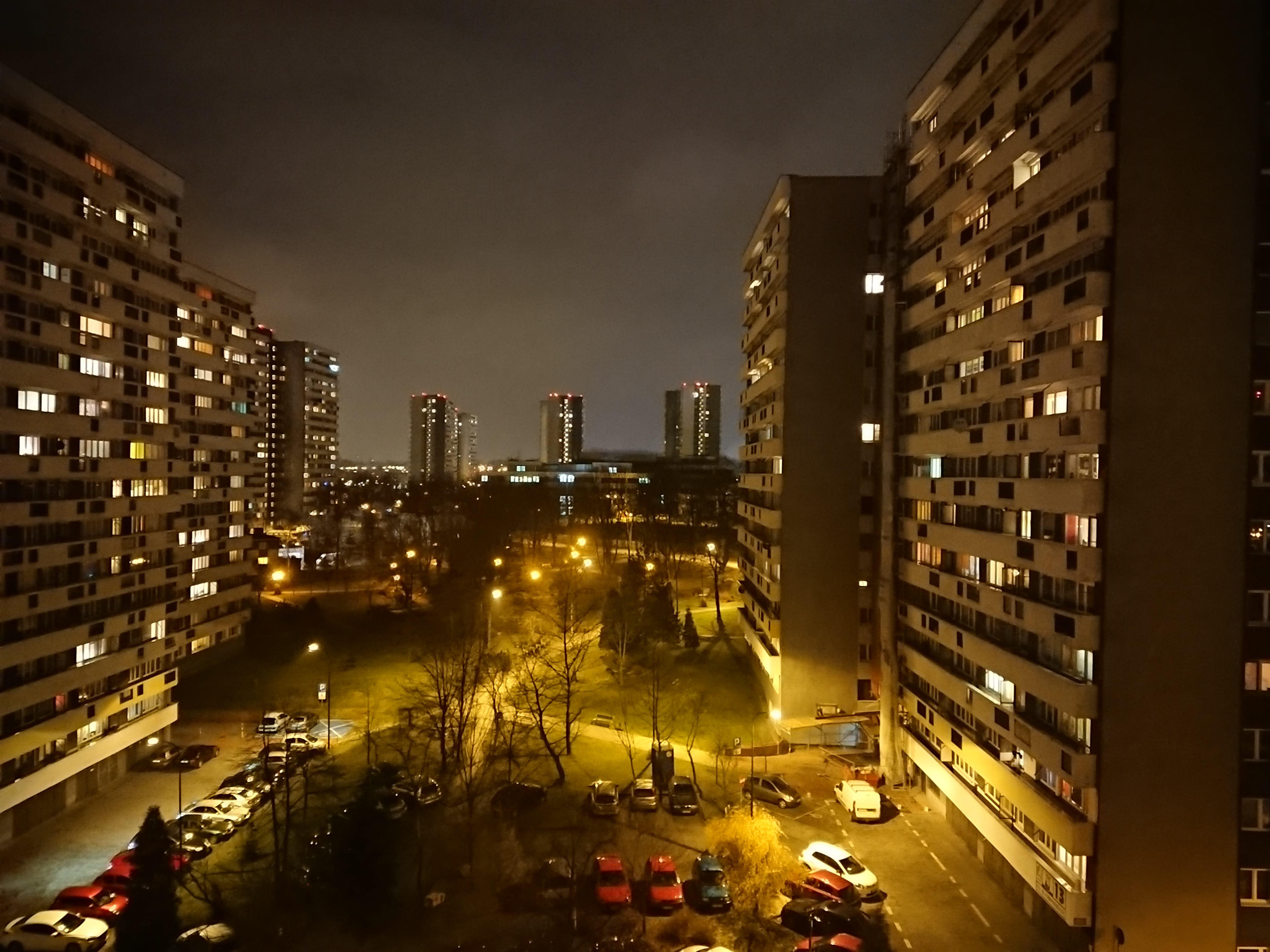 Zdjęcia nocne - Sony Xperia XZ1 Compact