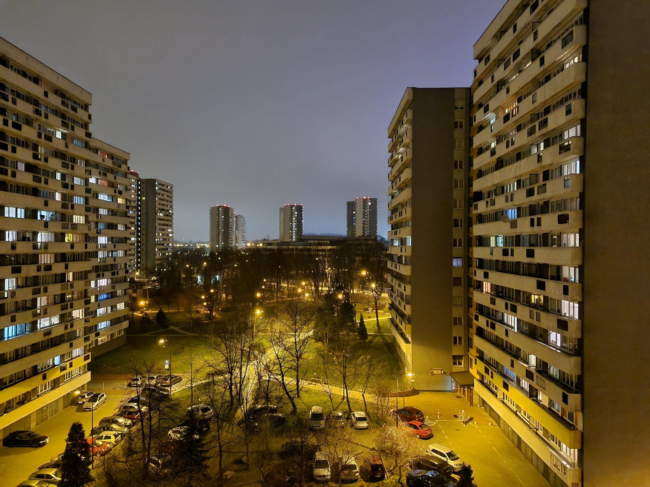 Zdjęcia nocne - Samsung Galaxy S21