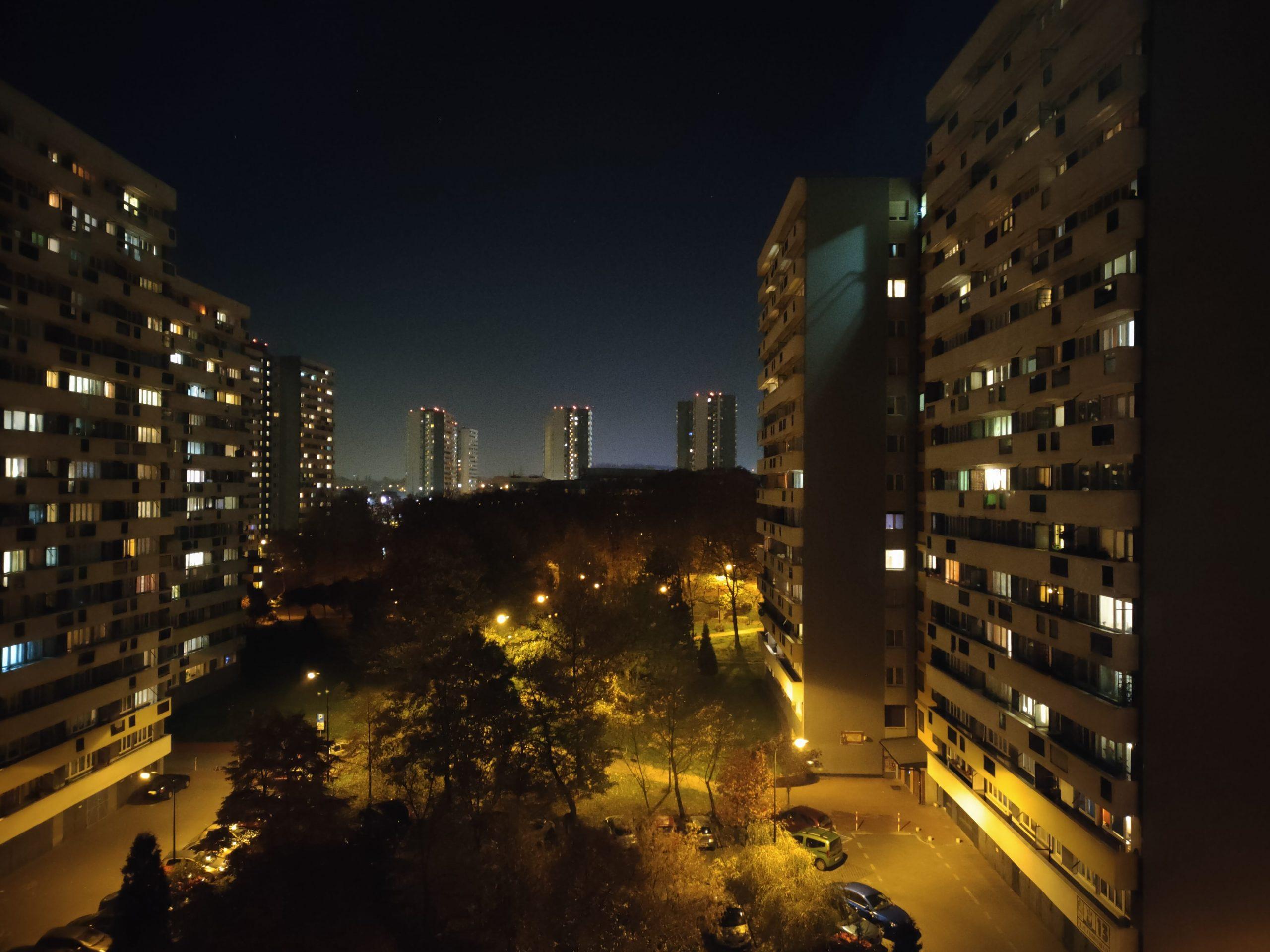 Zdjęcia nocne - realme 7 Pro