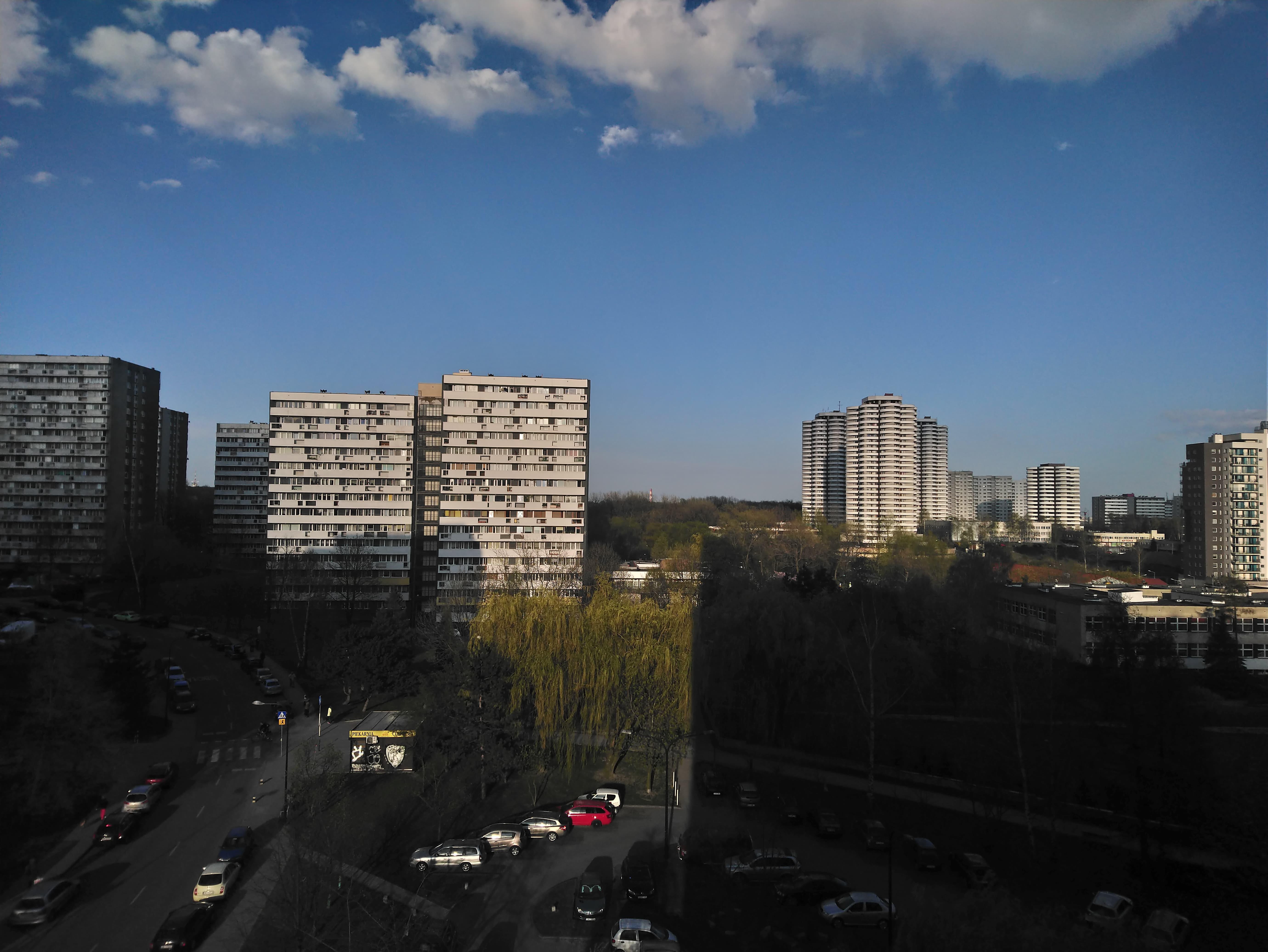 Słoneczna pogoda - Sony Xperia XA2