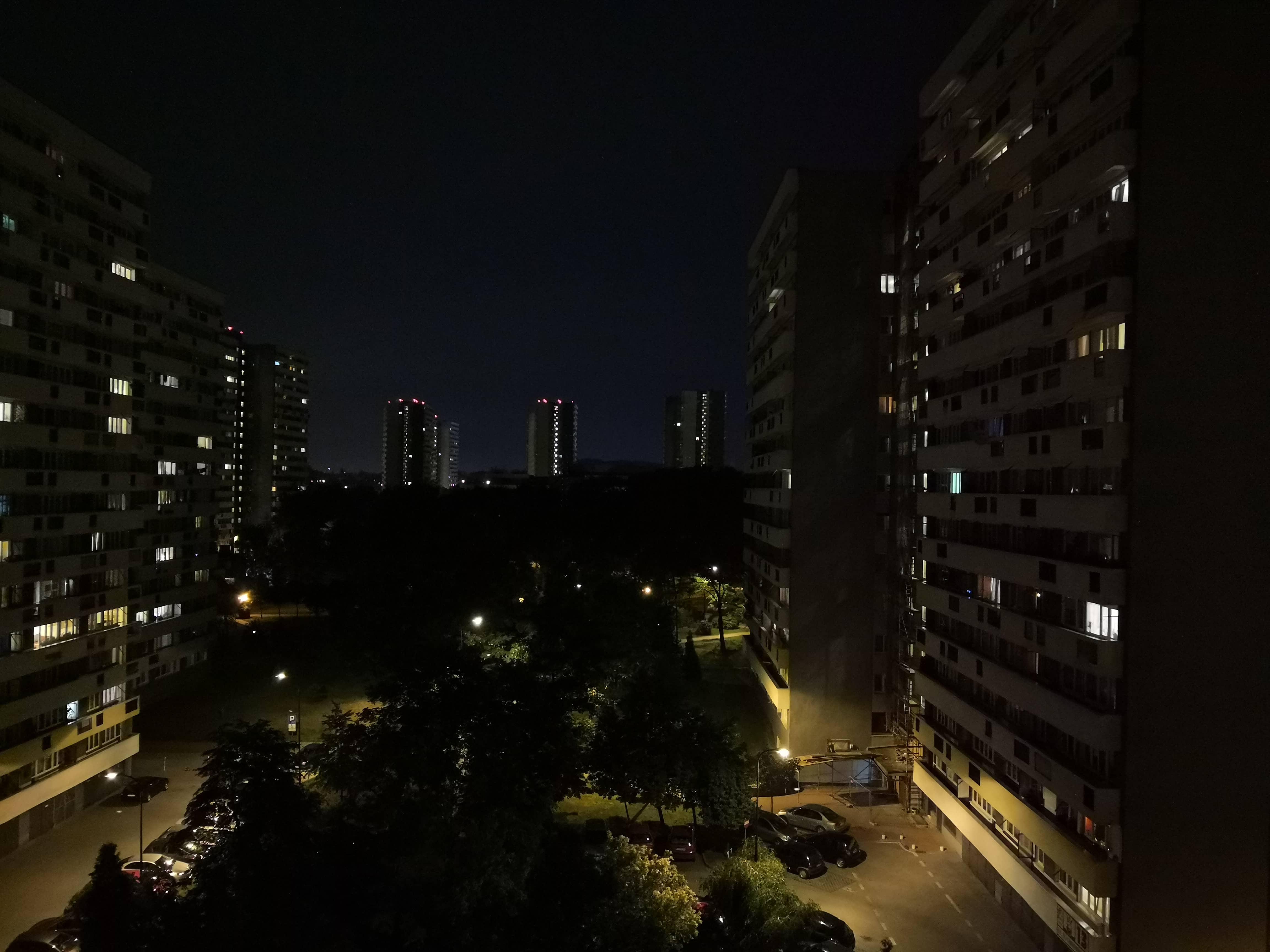 Zdjęcia nocne - Honor View 10