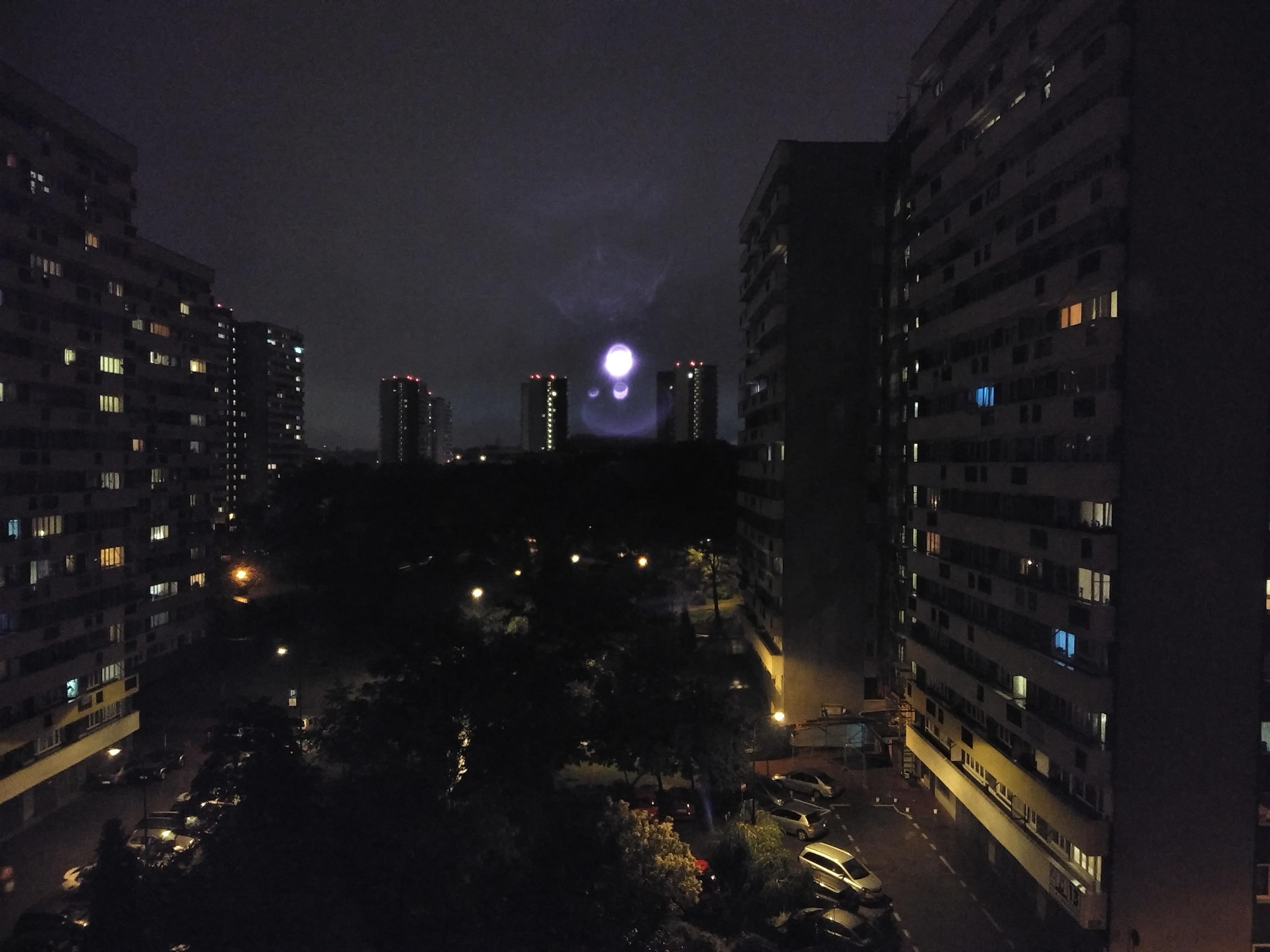 Zdjęcia nocne - Motorola Moto E5 Plus