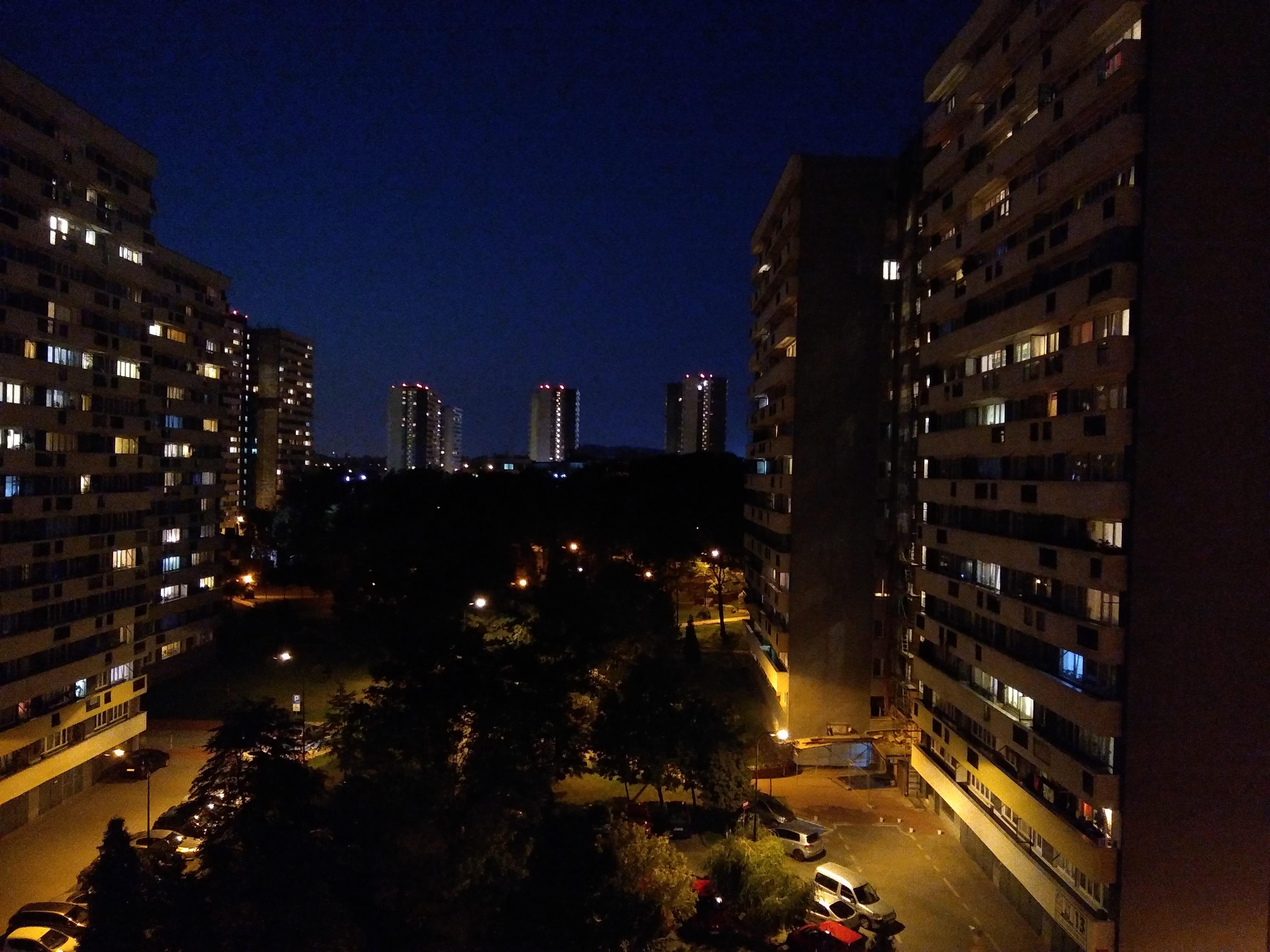 Zdjęcia nocne - Motorola Moto G6