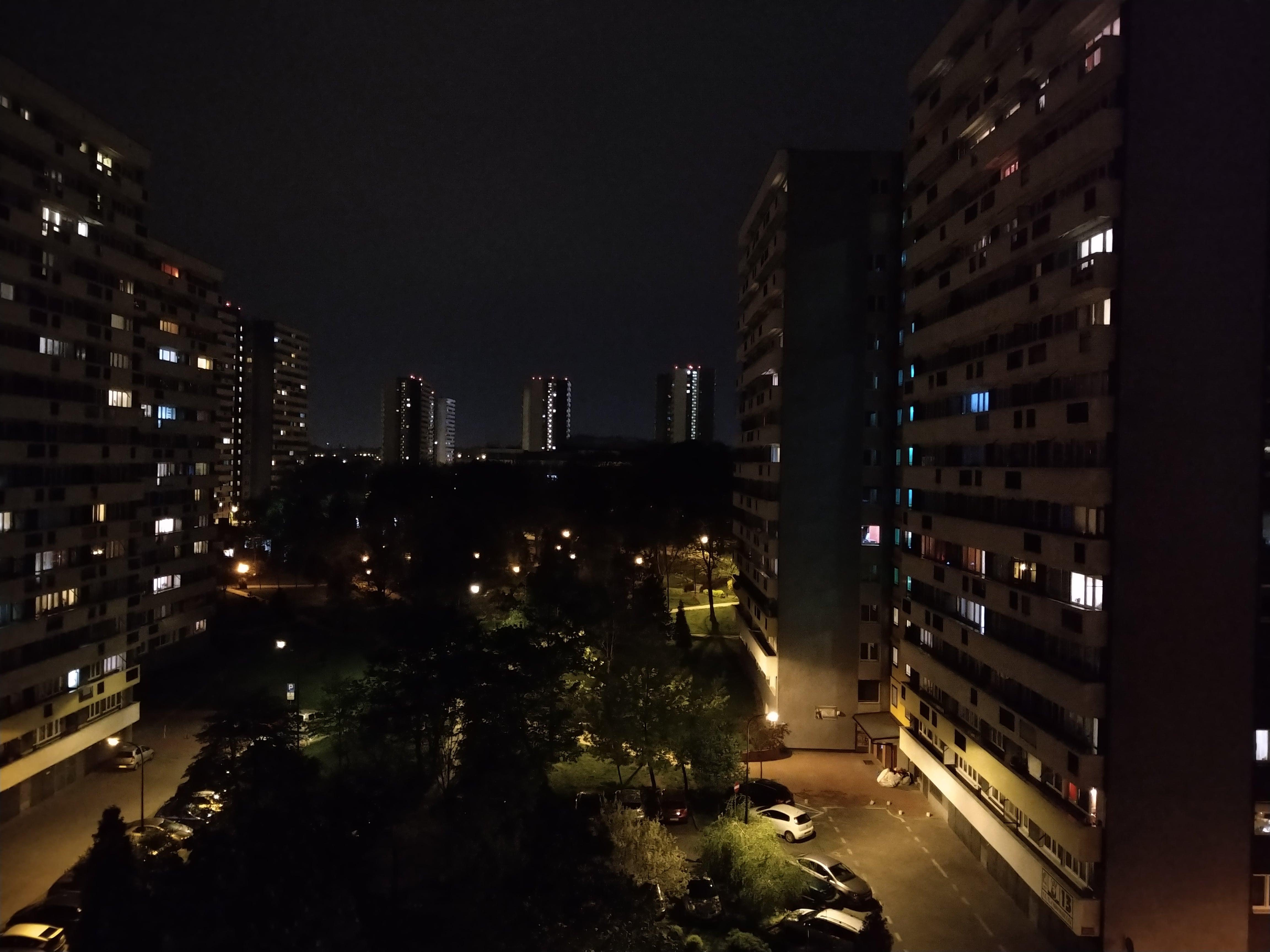 Zdjęcia nocne - Motorola Moto G7 Plus
