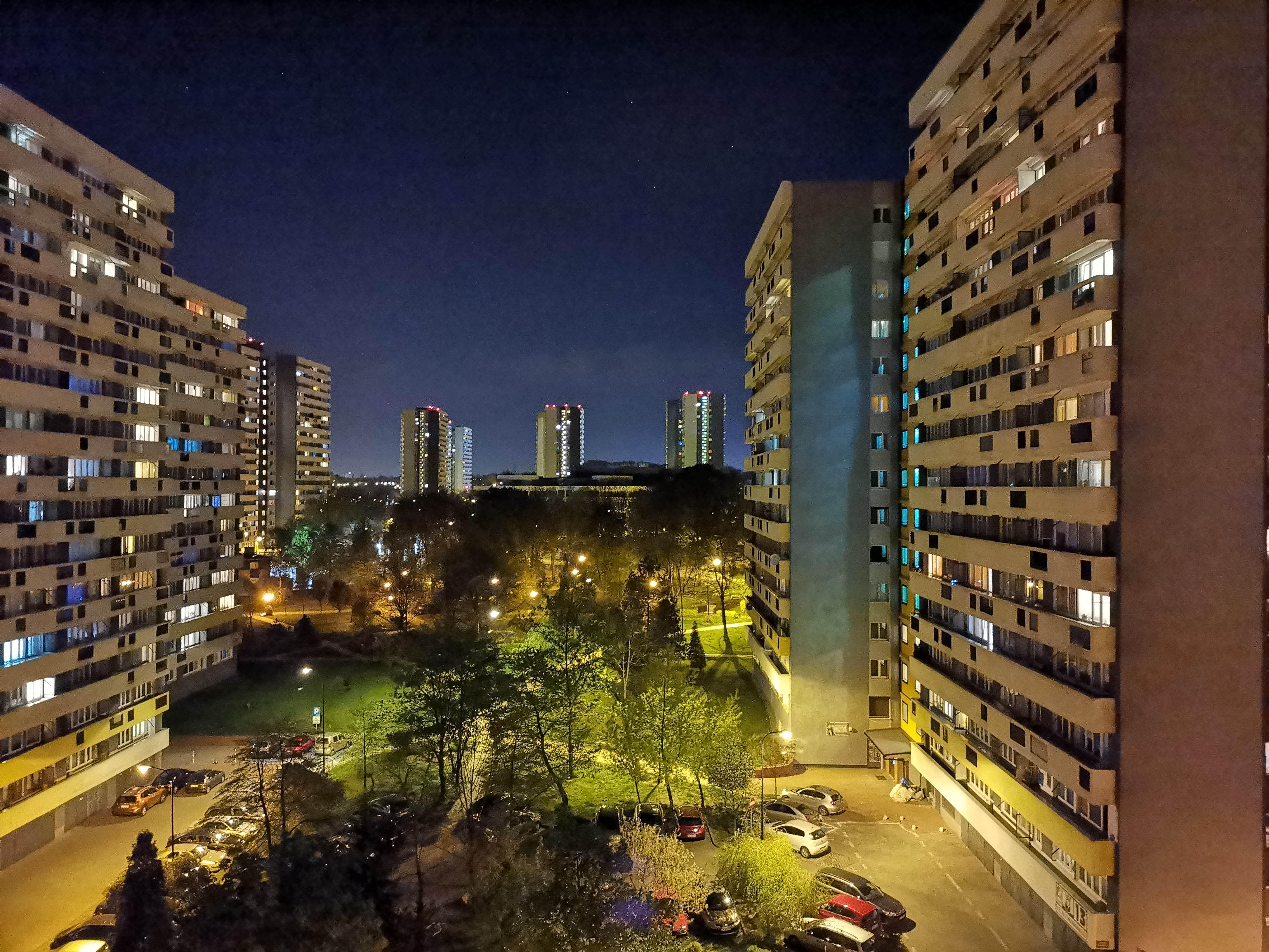 Zdjęcia nocne - Honor View 20