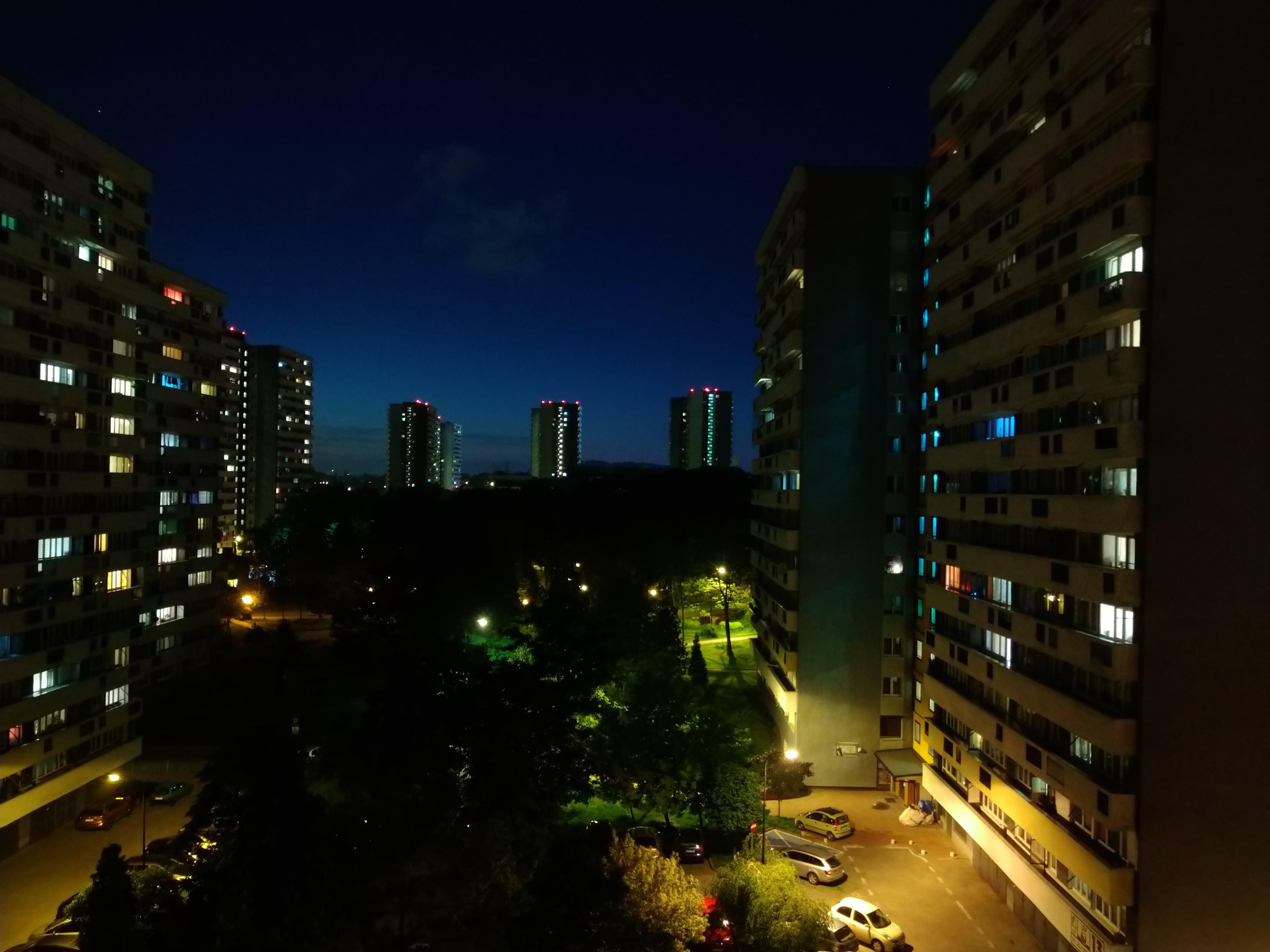 Zdjęcia nocne - Sony Xperia 10 Plus