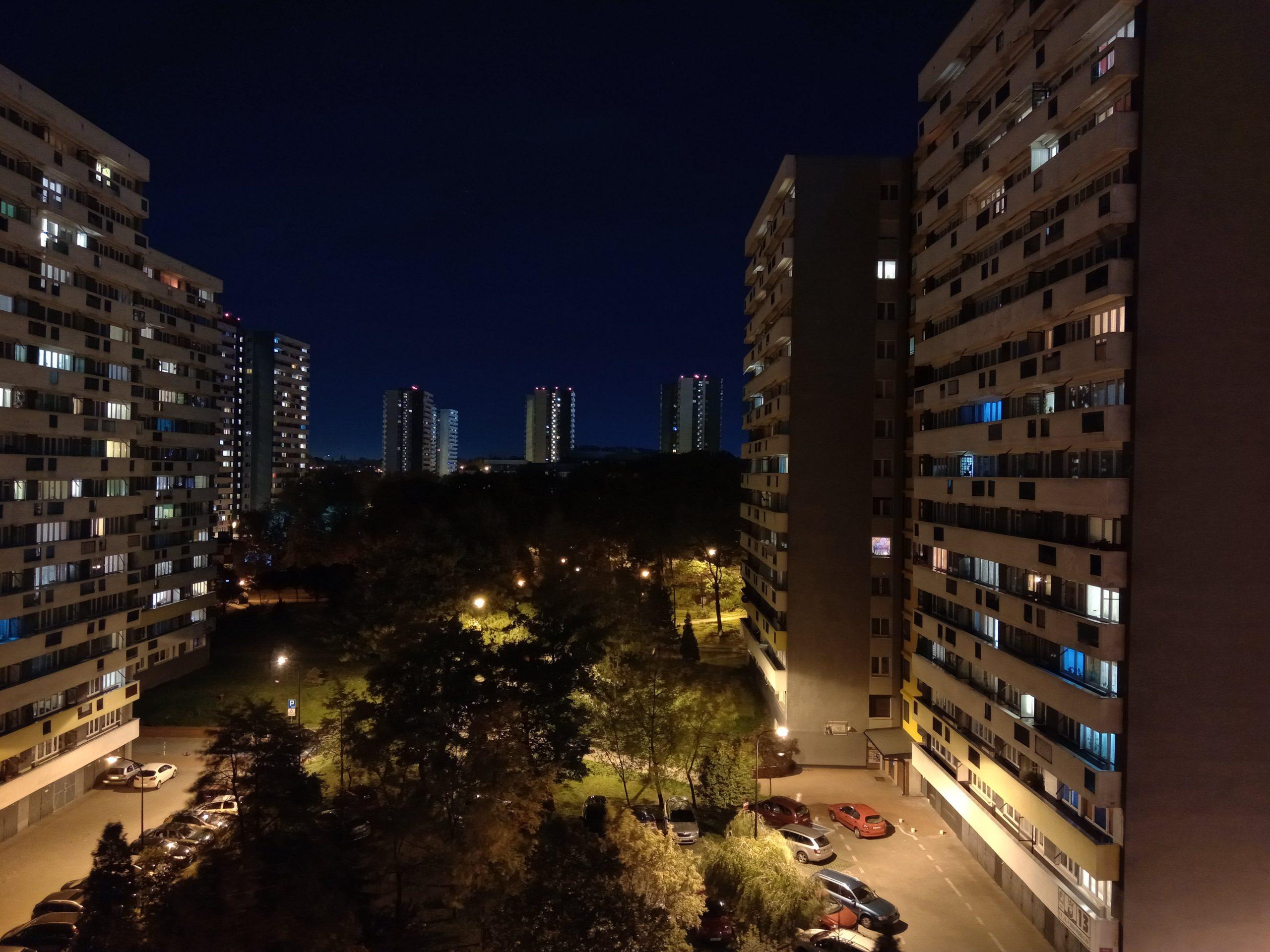 Zdjęcia nocne - HTC Desire 19+