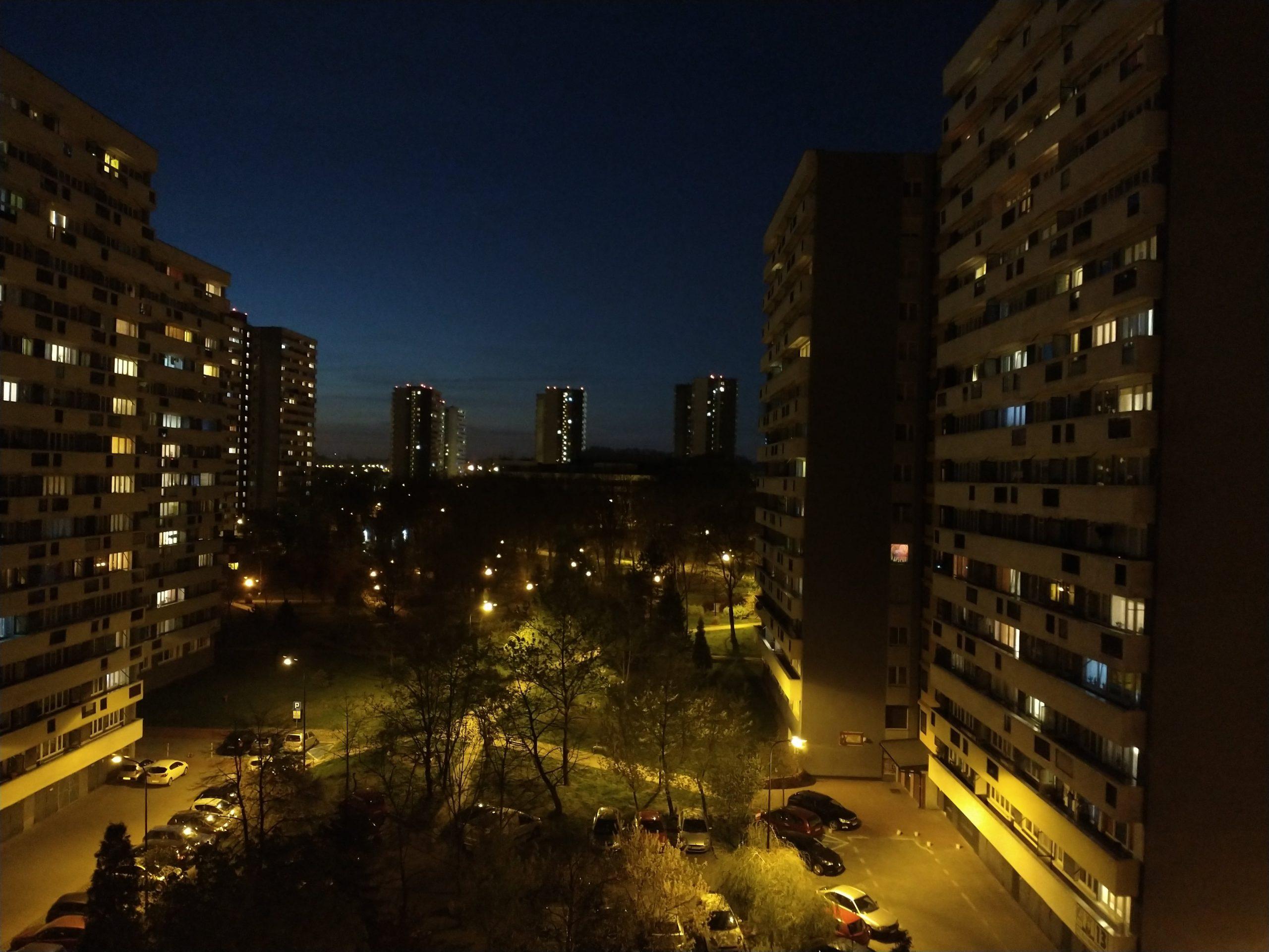 Zdjęcia nocne - Motorola Moto G8