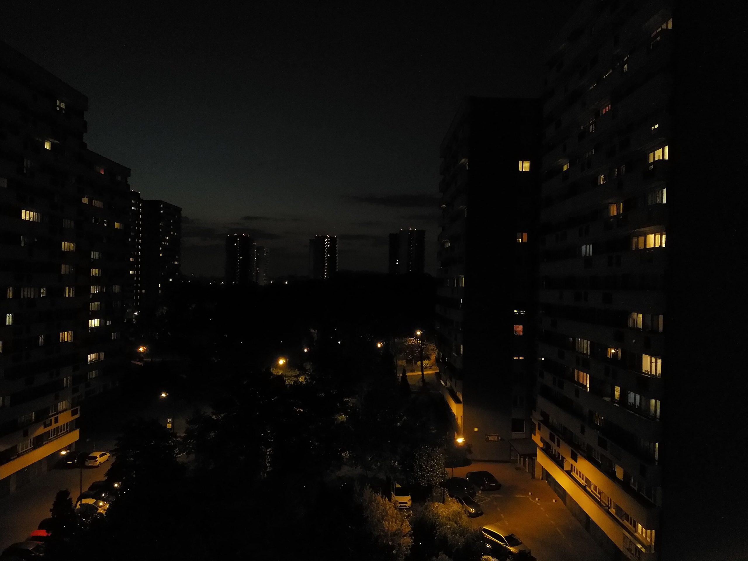 Zdjęcia nocne - Sharp Aquos V