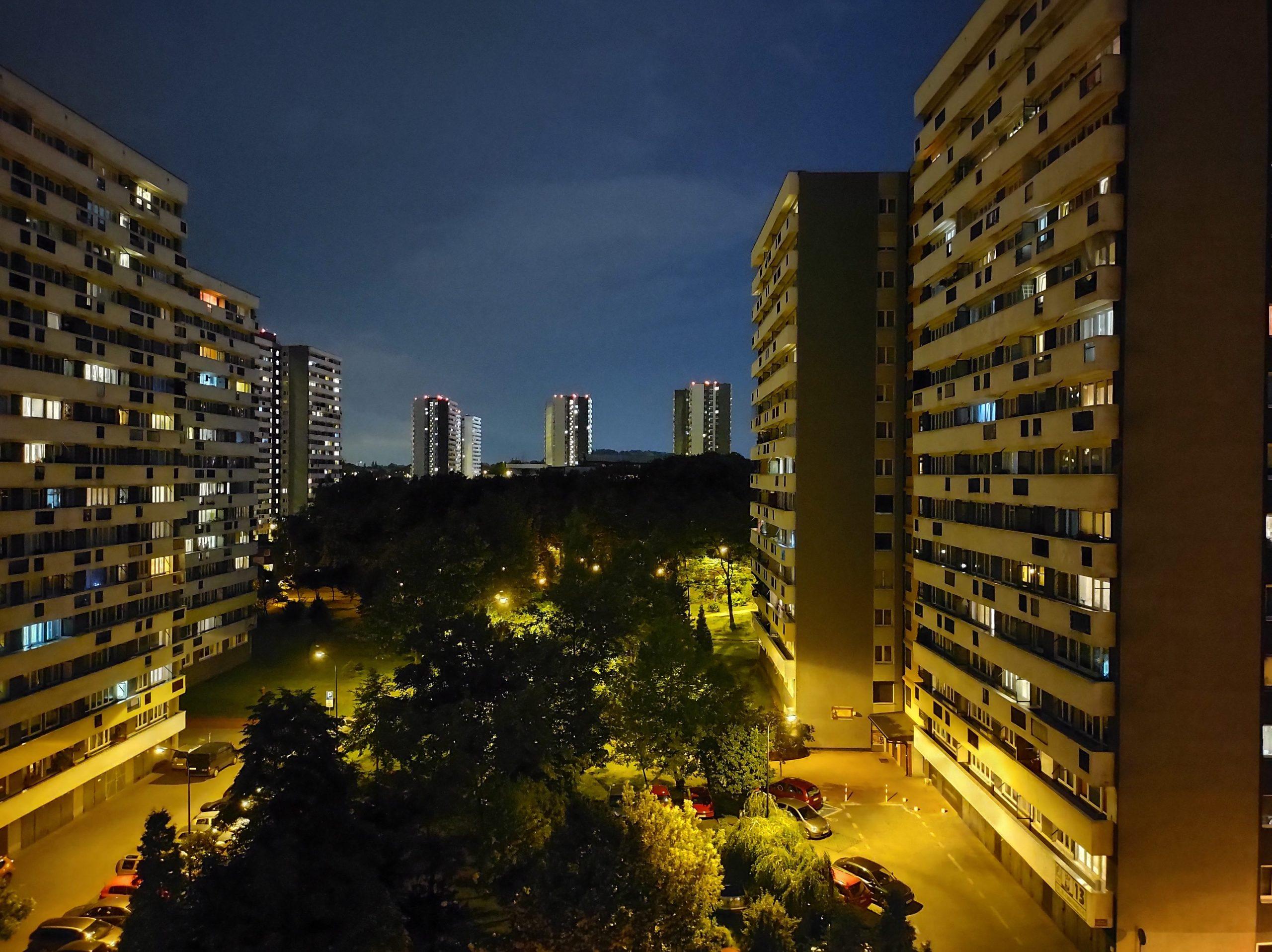 Zdjęcia nocne - Motorola Edge