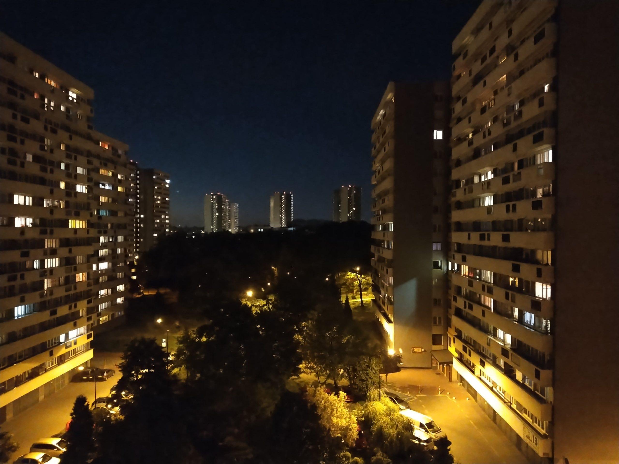 Zdjęcia nocne - HTC Desire 20 Pro