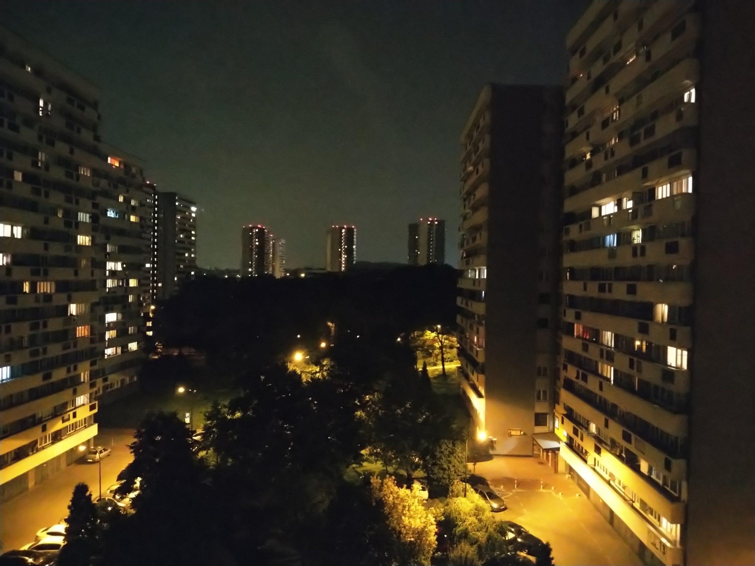 Zdjęcia nocne - Sony Xperia 10 II