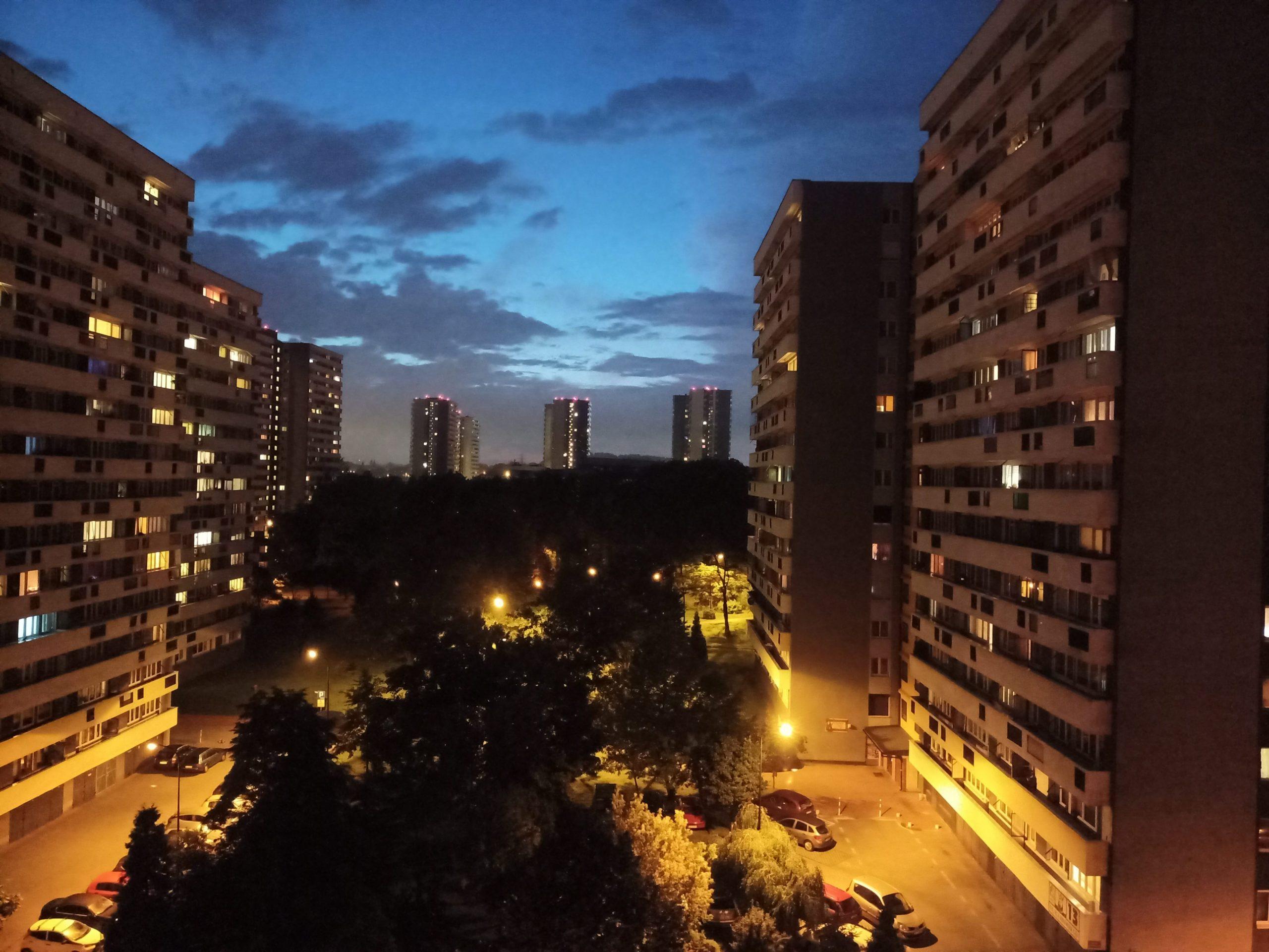 Zdjęcia nocne - realme 6s